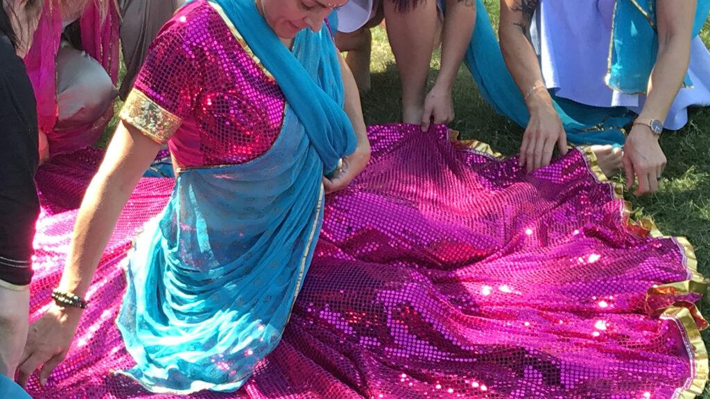 Brud i Bollywooddräkt